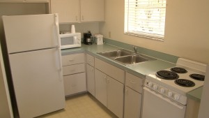 Lake Okeechobee Efficiency Motel Rooms with Kitchen